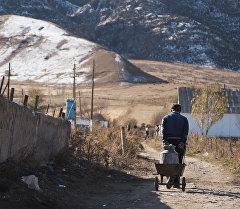 Кыргызстандын айыл жашоочусу. Архив