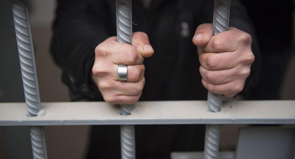 Задержанный в тюремной камере. Архивное фото