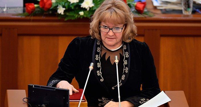 Галина Скрипкина (СДПК) — председатель Комитета по конституционному законодательству, государственному устройству, судебно-правовым вопросам и регламенту ЖК.