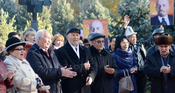 7 ноября в Кыргызстане отмечается День Великой Октябрьской социалистической революции.