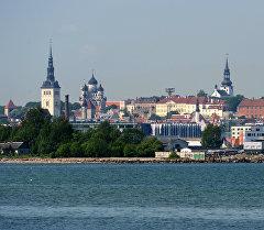 Вид на Старый город с пляжа в Кадриорге. Архивное фото