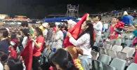 Болельщики в Австралии скандировали Кыргызстан, алга; до и во время игры