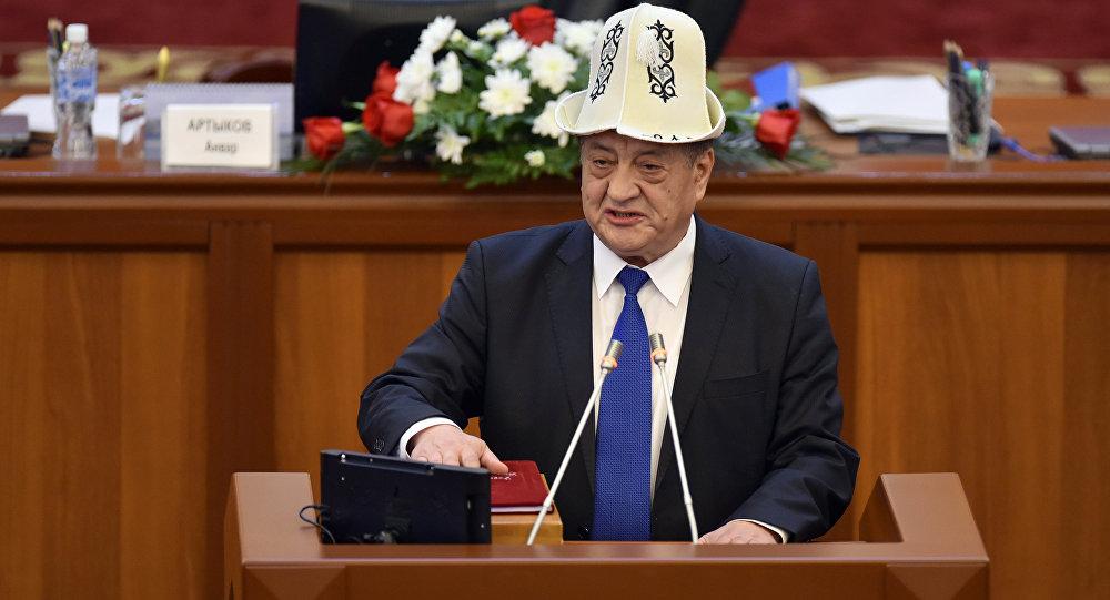 Руководство Киргизии ушло вотставку