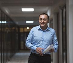 Коомдук телерадиокорпорациясынын башкы директору Илим Карыпбековдуна архивдик сүрөтү