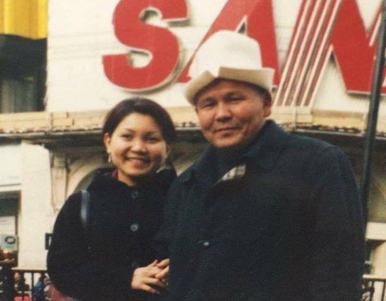 Гендиректор рынка Кудайберген Эльвира Сурабалдиева с отцом