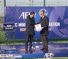 Глава Азиатской футбольной конфедерации шейх Салман бин Ибрагим Аль-Халиф.