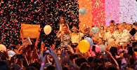 Лидирующий на выборах в Аргентине Макри танцевал перед ликующей толпой (копия)