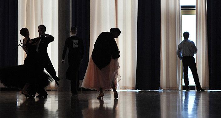 Танцоры. Архивное фото