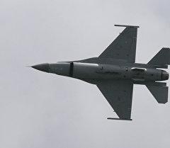 F-16 учагы. Архив