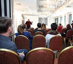 Кесипкөй журналистиканын мектебинин алкагындагы Кыргызстандын ЖМКларынын өкүлдөрү үчүн кесипкөй окутуу өттү.