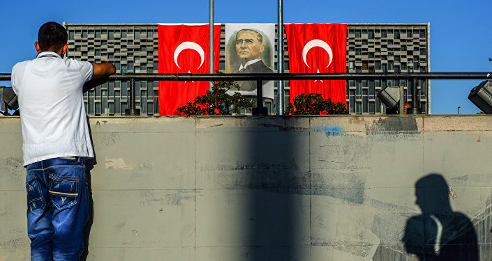 Молчаливая акция протеста в Стамбуле
