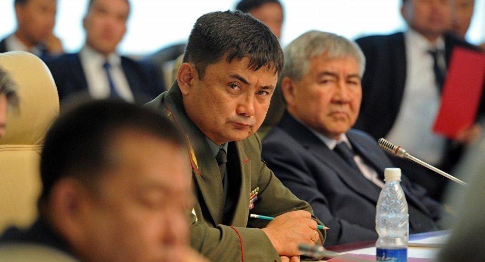 Бывший министр обороны КР Таалайбек Омуралиев. Архивное фото