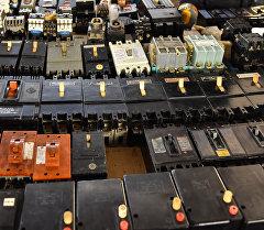 Электрический автомат от перезагрузки напряжения. Архивное фото