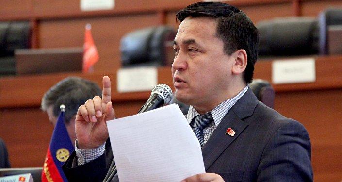 Архивное фото депутата ЖК 6 созыва Каныбека Иманалиева