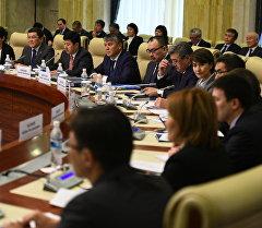 На заседании кыргызско-российской межправкомиссии по сотрудничеству.