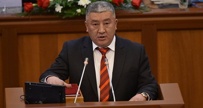 Кыргызстан фракциясынын депутаты Жыргалбек Калмаматовдун архивдик сүрөтү