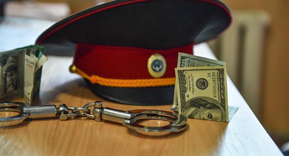За вымогательство взятки задержан сотрудник Тонского РОВД