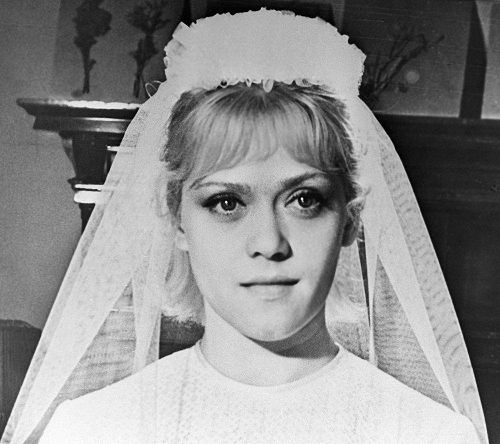 Юная Фрейндлих в роли невесты на съемках фильма Приключения зубного врача