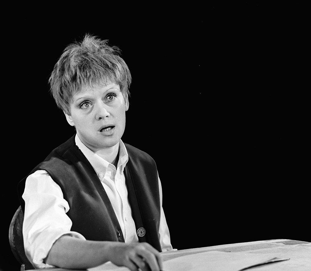 В роли Малыша в спектакле Малыш и Карлсон, который живет на крыше в постановке Ленинградского театра имени Ленсовета