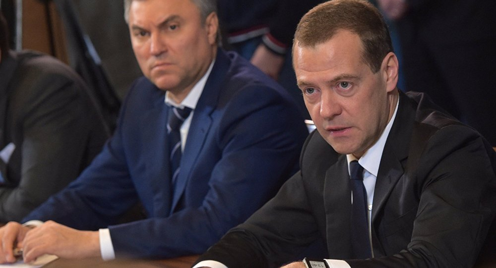 Дмитрий Медведев впрямом эфире ответит навопросы журналистов