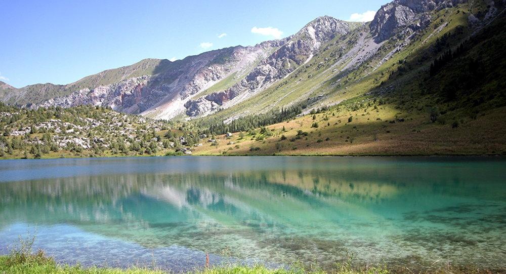 Озеро Сары–Челек. Архивное фото