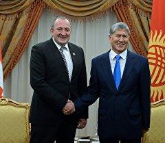 Президент Алмазбек Атамбаев жана Грузиянын президенти Георгий Маргвелашвили
