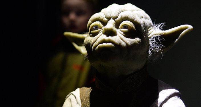 Персонаж фильма Звездные войны Йода в музее. Архивное фото