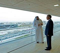 Президент Алмазбек Атамбаев Катар мамлекетине болгон иш сапары учурунда.