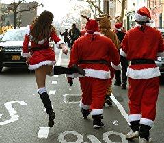 Бруклинде Санта-Клаустардын парады.