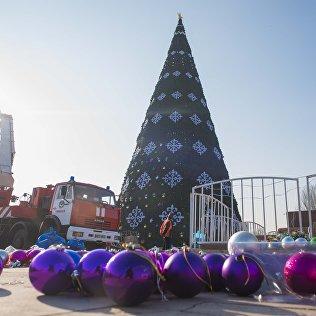 Новая елка на площади Ала-Тоо. Архивное фото