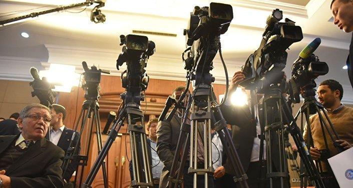 Пресс-конференция Алмазбека Атамбаева