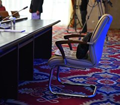 Кресло президента на пресс-конференции. Архивное фото