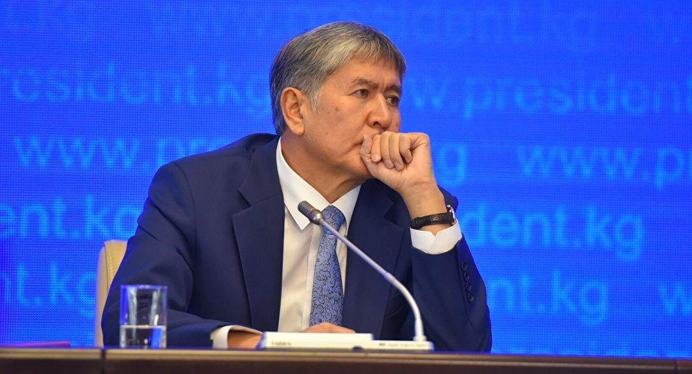 """Атамбаевди Twitter баракчасынан """"өлтүрөм"""" деп коркуткан киши боюнча УКМК иштеп жатат"""