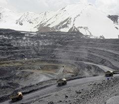Золотоносный рудник Кумтор. Архивное фото