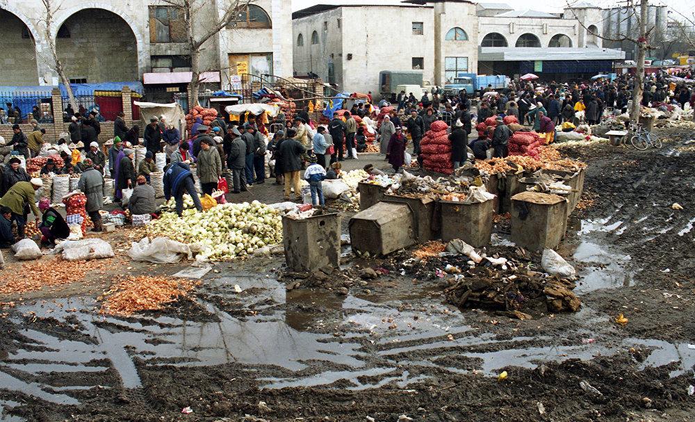Базар экономикасы жан багуунун негизги кыймылдаткыч күчүнө айланды. Ош базары