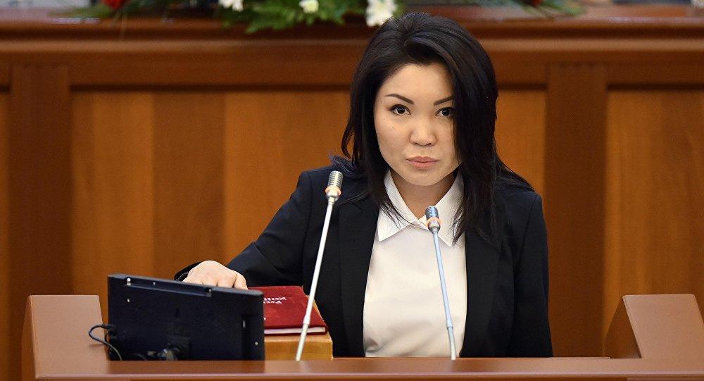 КСДП фракциясынын депутаты Элвира Сурабалдиеванын архивдик сүрөтү