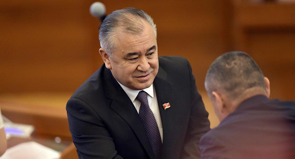 Ата Мекен партиясынын лидери Өмүрбек Текебаев. Архив
