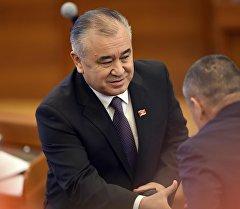 Экс-депутат Өмүрбек Текебаевдин архивдик сүрөтү