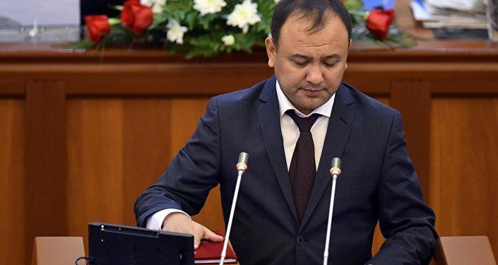 Депутат Таабалды Тиллаев