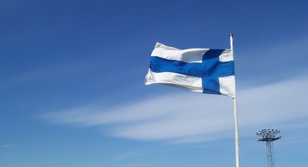 Государственный флаг Финляндии. Архивное фото