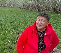 Акын, Кыргыз эл артисти Элмирбек Иманалиев. Архив