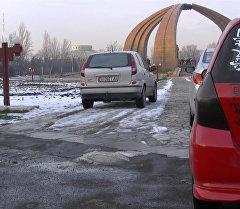 Площадь Победы в Бишкеке превратили в платную парковку