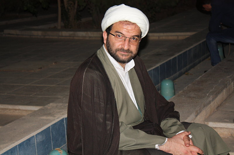Декан факультета исламских течений Фармониен Махди