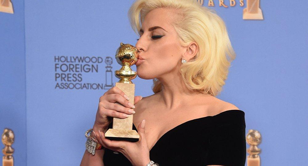 Леди Гага получила премию'Золотой глобус за роль в минисериале'Американская история ужасов. Отель