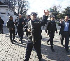Стамбул шаарындагы полиция кызматкерлери.