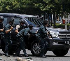 Индонезийские полицейские. Архивное фото