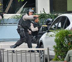 Жардыруу болгон аймактан атышуулардын үнү угулганын индонезиянын полициясы билдирди