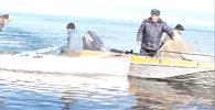 Рыба, сети и дырявые лодки —  задержание браконьеров на Иссык-Куле