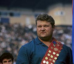 Олимпийский чемпион по тяжелой атлетике Леонид Жаботинский. Архивное фото