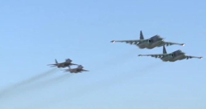 Совместный боевой вылет российских Су-25 и сирийских МиГ-29 с базы Хмеймим